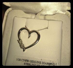 Very very nice genuine diamonds new necklace